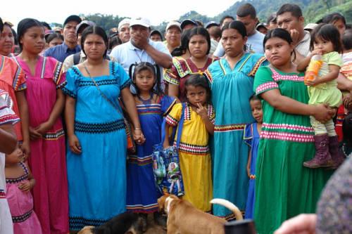 Gobierno busca mejorar las condiciones de salud para los indígenas